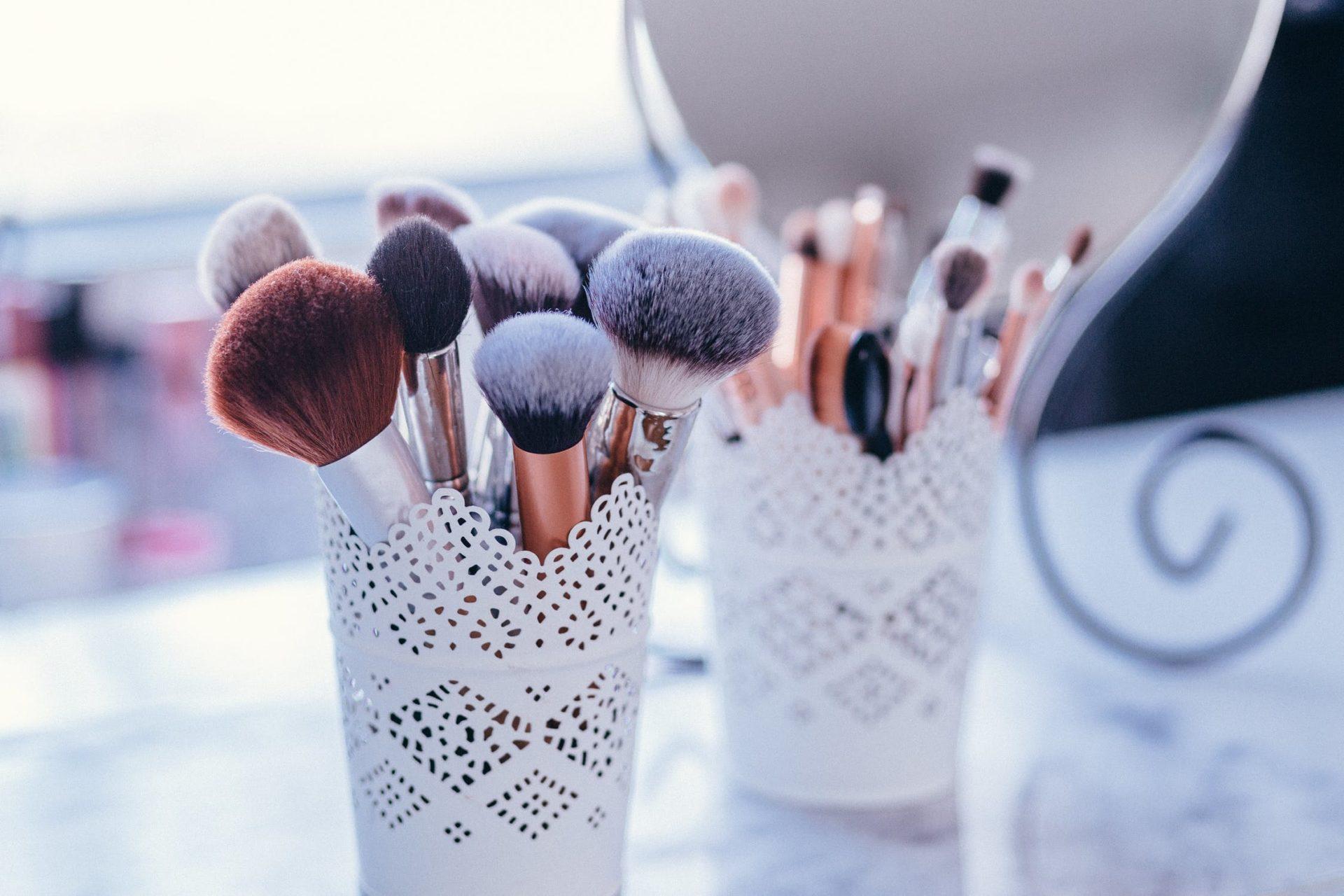 store makeup brushes